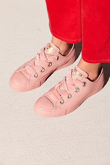 Converse Big Eyelets Velvet Low Top Chuck in Rust Pink / sports luxe sneakers