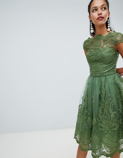 Chi Chi London premium green lace midi dress with cap sleeve – party princess