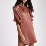 RIVER ISLAND Dark pink frill sleeve swing dress – curved hem mini
