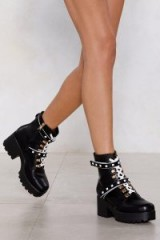 NASTY GAL Junk in the Trunk Chunky Boot Black – mono combat boots