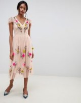 Oasis midi dress with floral embroidery in pink – party fit and flare