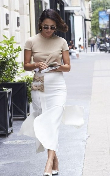 Chic neutral outfit - flipped