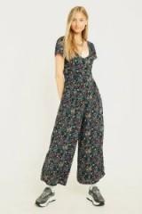 UO Laura Floral Jumpsuit – flower prints