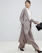Closet London trench coat with tie sleeve in check – chic longline coats