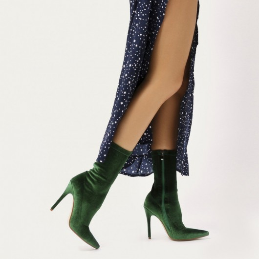 PUBLIC DESIRE DIRECT POINTY SOCK BOOTS IN GREEN VELVET – point toes