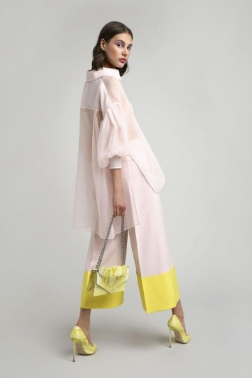Ralph & Russo Resort 2019 womenswear collection / blush and yellow look great together!