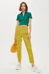 Topshop Yellow Leopard Print Mom Jeans – animal print denim