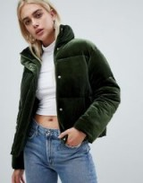 ASOS DESIGN ultimate puffer in velvet with funnel neck in green – casual luxe winter jacket