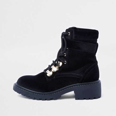 RIVER ISLAND Black lace-up chunky boots – faux suede buckle boot