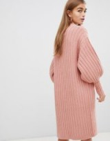 Fashion Union Petite Relaxed Cardigan In Luxe Knit Light Pink – balloon sleeved knitwear