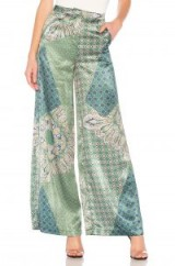House of Harlow 1960 X REVOLVE DES PANT Moss Green Patchwork – wide leg silky trousers – mixed prints