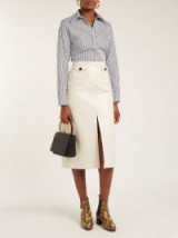 ALEXACHUNG Cream crinkle-effect PVC pencil skirt ~ effortless style