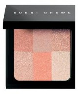 BOBBI BROWN Brightening Brick in pastel peach