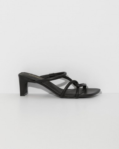 INTENTIONALLY BLANK black willow sandals ~ effortless style footwear