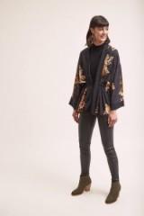 Kachel Anabella Floral-Print Kimono in Black – lightweight waist tie jacket