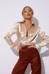 IN THE STYLE JESSA GOLD SATIN OVERSIZED SHIRT – affordable luxe style fashion