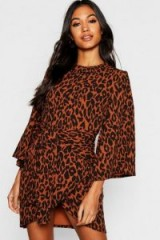boohoo Leopard Print Kimono Sleeve Wrap Dress in Brown