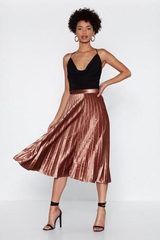 NASTY GAL Let's Get Moving Velvet Skirt in Rose – pink metallic skirts
