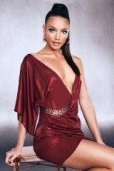 boohoo Premium Foiled Satin One Shoulder Chain Belt Dress in Red   glamorous plunge front party dresses