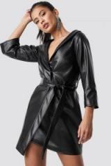 Hannalicious x NA-KD Faux Leather Blazer Dress Black | sassy LBD