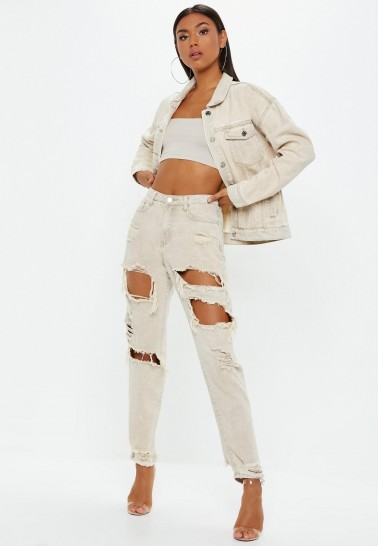 MISSGUIDED sand extreme ripped riot mom rigid jeans ~ casual on-trend denim