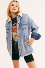 Levi's Baggy Sherpa Trucker Jacket in Light Denim