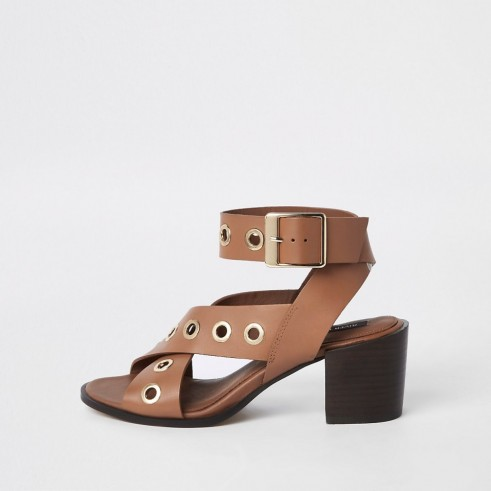 RIVER ISLAND Brown leather eyelet block heel sandals – thick strap chunky heels