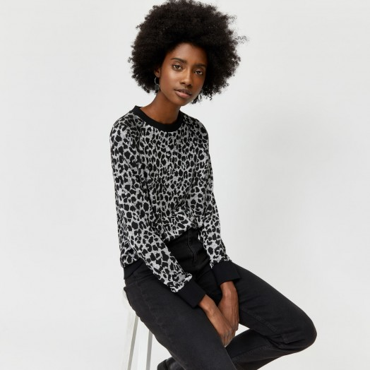 WAREHOUSE LEOPARD JACQUARD SWEATSHIRT GREY PATTERN / animal print top