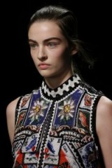 Mary Katrantzou READY-TO-WEAR SPRING/SUMMER 2019 – a fashion collection about collections – details on the stamp collecting theme