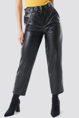 Chloé B x NA-KD Pu Leather Belted Pants Black | cropped trousers