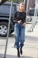 Hailey Rhode Bieber's silver buckle belt, ANDERSON'S Croc-effect leather belt, out shopping in Los Angeles, 20 January 2019 | models off duty | casual street style | celebrity belts/accessories