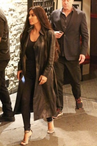 Kim Kardashian's black skinnies, 7 for All Mankind HIGH WAIST SKINNY SLIM ILLUSION LUXE RINSED BLACK JEANS, at Mexican restaurant Casa Vega in Sherman Oaks, January 2019 | celebrity street style | reality star denim