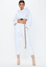 MISSGUIDED white oversized 90s joggers ~ sporty fashion