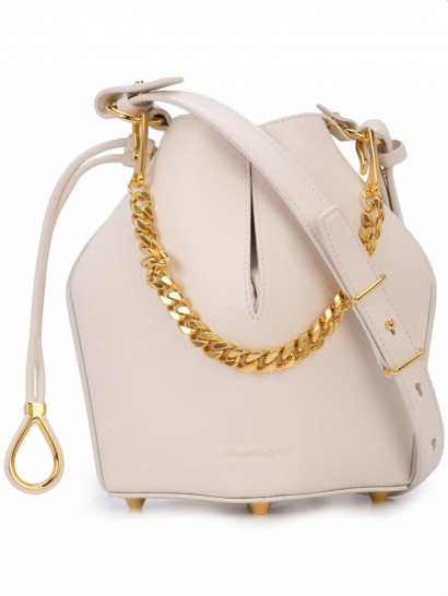 ALEXANDER MCQUEEN bucket chain shoulder bag in off-white / small neutral leather bags