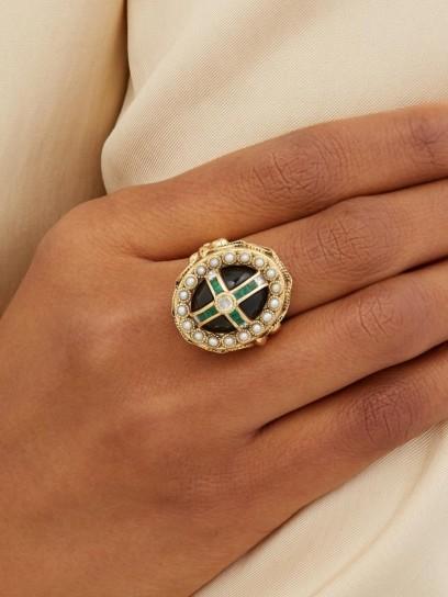 JADE JAGGER Diamond, emerald, pearl & 18kt gold oval ring