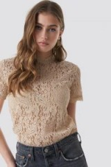 NA-KD Boho ~ High Neck SS Lace Top Beige in Cream