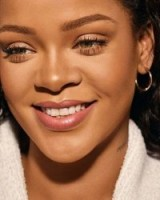 Rihanna ~ celebrity make-up