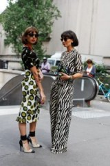 BOLD MIXED PRINTS / STREET STYLE