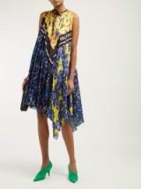 BALENCIAGA Pleated floral-print satin dress in navy. FLOWER / LOGO PRINTS