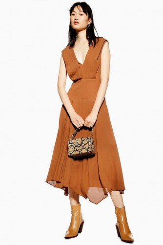 TOPSHOP Pleated Pinafore Dress in Tobacco – flowy brown dresses