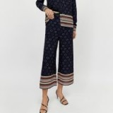 WAREHOUSE SPOT WIDE LEG TROUSERS IN NAVY / cropped pants