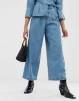 Vero Moda highwaisted cropped wide leg jean in medium blue | front pleated denim jeans