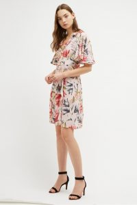 FRENCH CONNECTION CADENCIA CREPE SHORT FLORAL DRESS Light Sweet Pea Multi / pale pink dresses