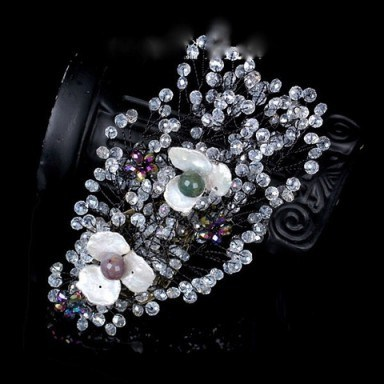 Crystal brooch – Tutu's Jewellery - flipped