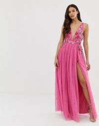 Dolly & Delicious 3D applique embellished plunge front maxi dress with thigh split in pink – long floral occasion dresses