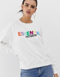 Essentiel Antwerp Sagrada essentiel embo sweater in white / sequinned sweatshirt