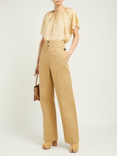 JIL SANDER Greg high-waist cotton trousers in beige ~ 70s inspired