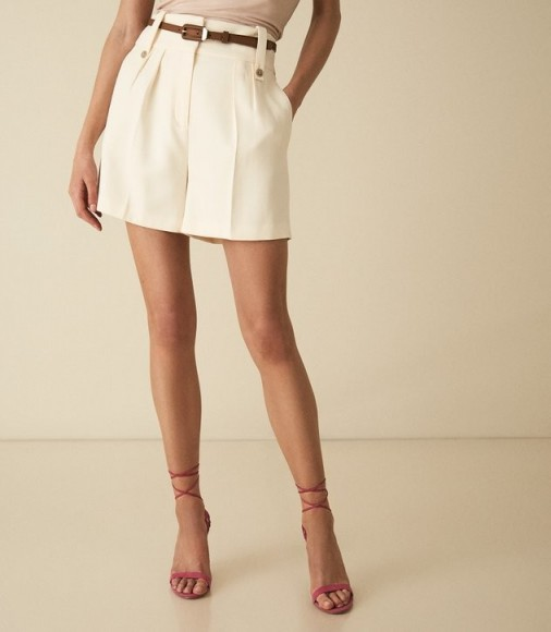 Reiss LENNOX SHORT HIGH WAISTED TAILORED SHORTS OFF WHITE | smart casual wear