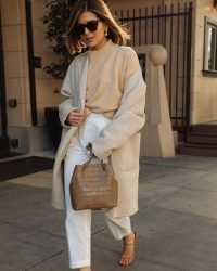 Mixed neutrals equals effortless style / chic street outfits