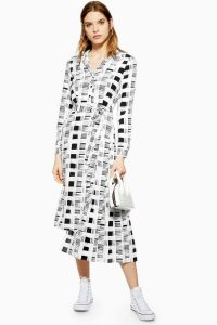 TOPSHOP Shadow Check Pleated Dress in Monochrome / black and white checks